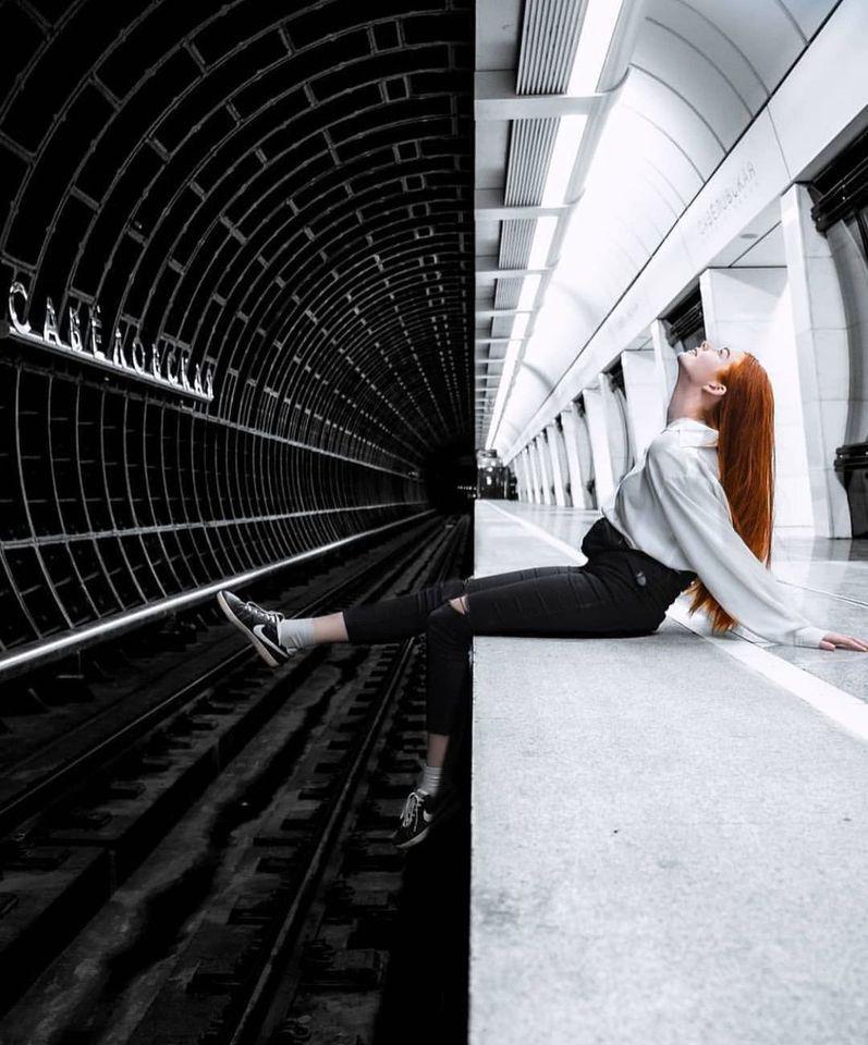 Контрастная симметрия на станции метро Савёловская в Москве Фотограф Егор Вихрев