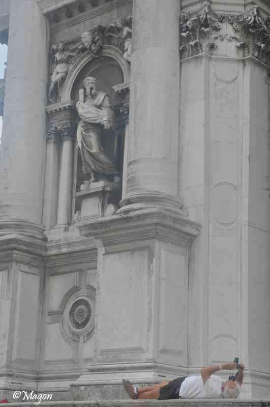 Снимая бога на паперти в Венеции... by Magon