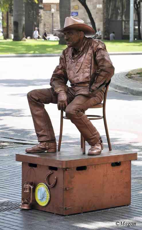 Живые статуи Барселоны. Одинокий ковбой