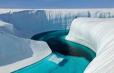 Ледник Петермана в Гренландии