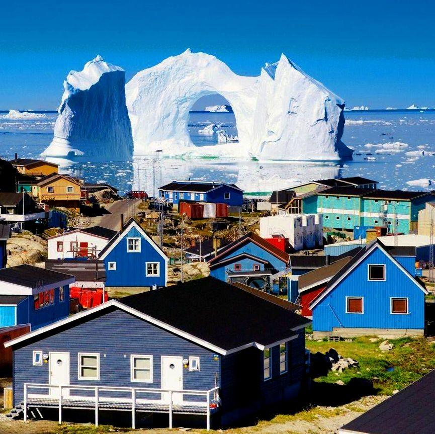 Айсберги в Канаде