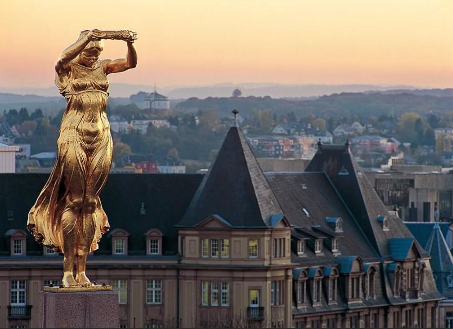 скромный люксембург