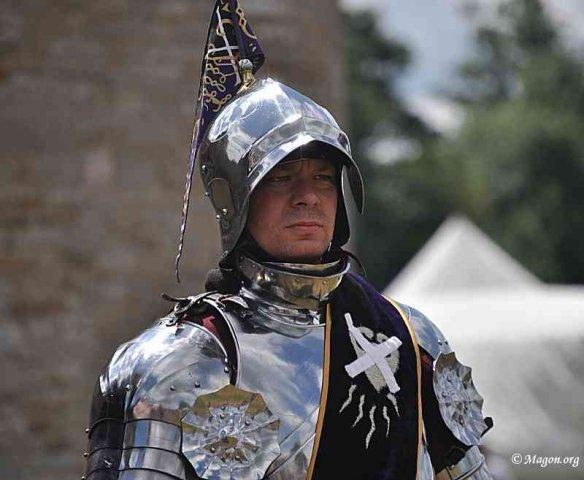 Рыцарь заклеенного знака на средневековом фестивале в замке Святой Анны (Бельгия) by Magon