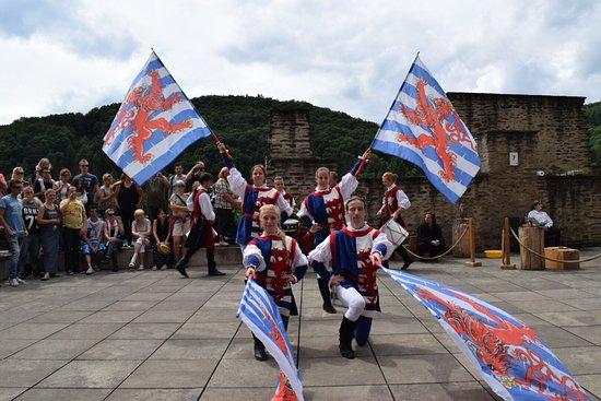 Средневековый фестиваль во Вьяндене