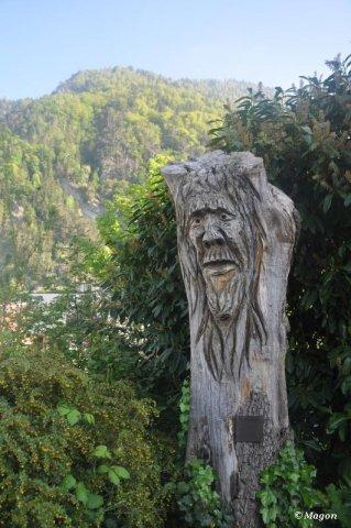 Деревянная статуя в Интерлакене (Швейцария) by Magon